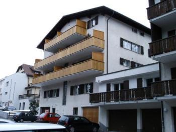 4 1/2 Zimmer Luxus Ferienwohnung mit toller Bergsicht