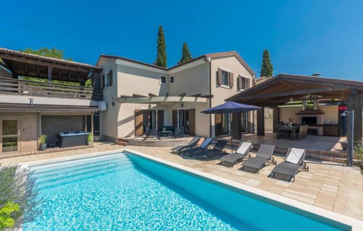 Moderne villen mit pool  Luxus Ferienhaus & Ferienwohnung in Kroatien buchen