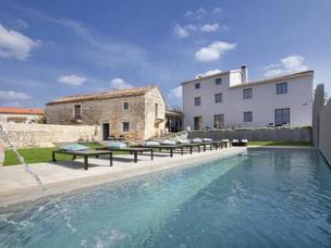 Luxuriöse Villa 5 Schlafzimmer, 5 Badezimmer, einen großen Swimmingpool, Grill