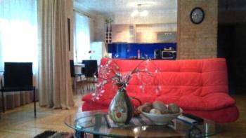 Pearl of Agenskalns -  Großes Apartment mit 1 Schlafzimmer (7 Erwachsene)