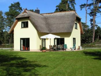 Thatched villa Kliffkieker