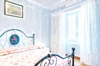 Blumen - Apartment mit 1 Schlafzimmer und Balkon