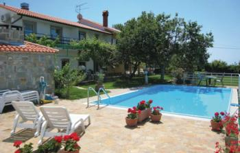 Holiday apartment Lucija