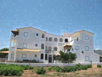 Maravelias House - Familienzimmer mit 2 Schlafzimmern und Balkon