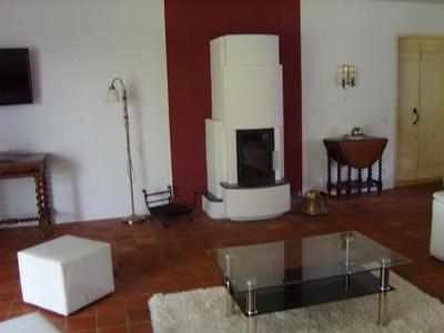 Exklusives reetdach landhaus mit hallenbad und sauna for Wohnzimmer 60 qm