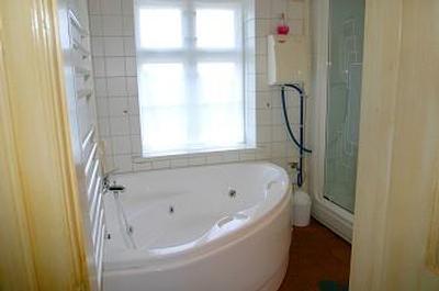 Exklusives reetdach landhaus mit hallenbad und sauna for Spiegel 2x2m
