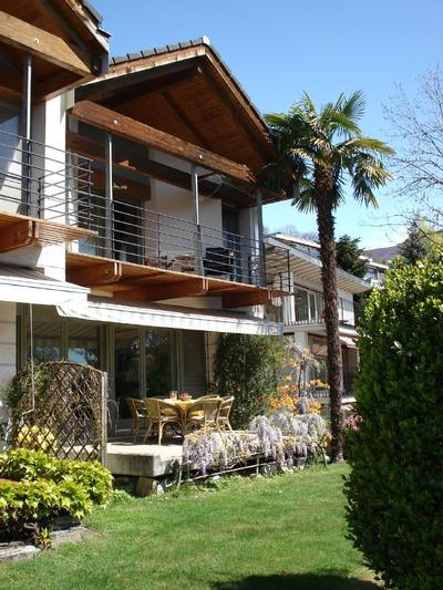 ferienhaus brione sopra minusio mit terrasse oder balkon. Black Bedroom Furniture Sets. Home Design Ideas