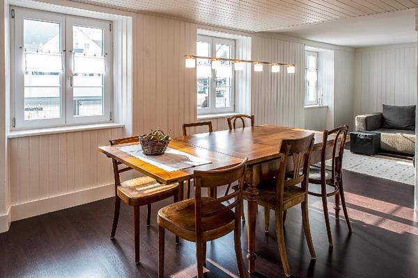 haus aegetli. Black Bedroom Furniture Sets. Home Design Ideas