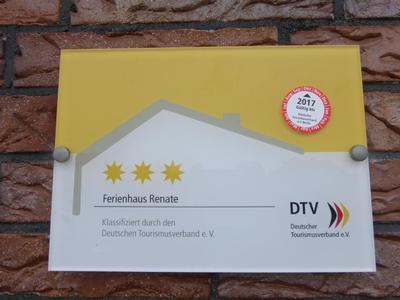 """3-Sterne-Ferienhaus """"Renate"""" im schönen Luftkurort Hage, ganz nah der Nordsee"""