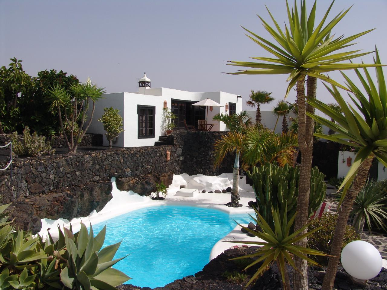Holiday house CASA TEIGA LUNA 3 SCHLAFZIMMER VILLA MIT POOL UND TERASSE (1682022), Tahiche, Lanzarote, Canary Islands, Spain, picture 3