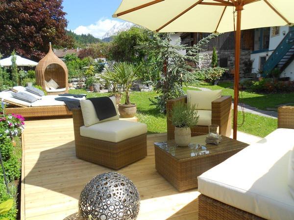 luxus ferienwohnung in traditionellem chalet perfekt in tirol gelegen. Black Bedroom Furniture Sets. Home Design Ideas