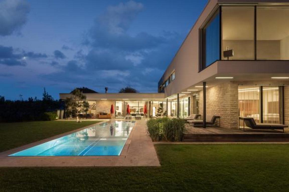 Designferienhaus  Villa  mit XL Pool Kärnten  Ferienhaus in Österreich