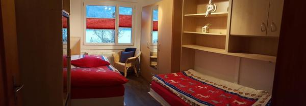 Ruhige und moderne ferienwohnung mit pool und sicht auf for Moderne einzelbetten