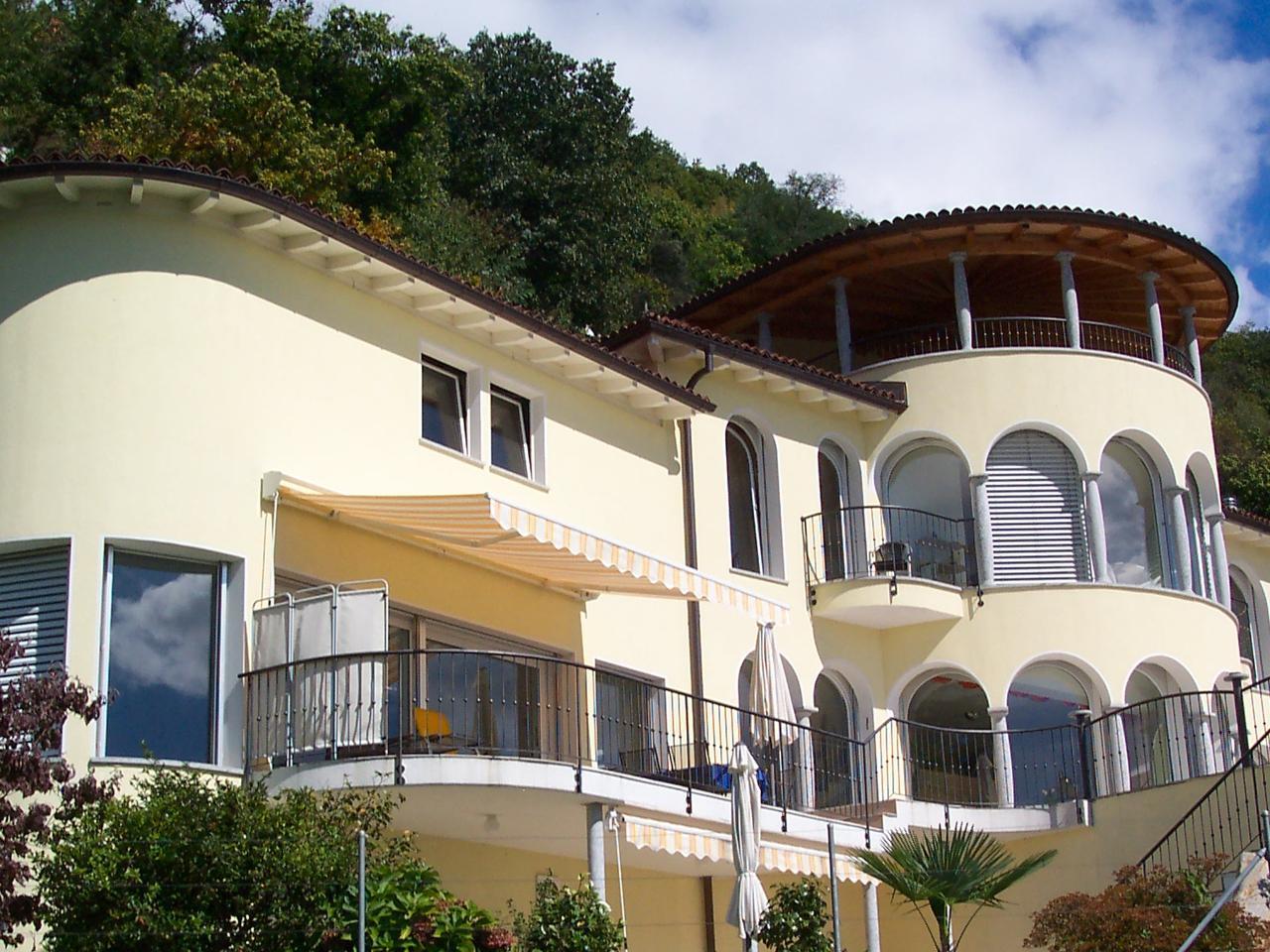 Mediterrane Villa mit Indoorpool und Traumblick Villa