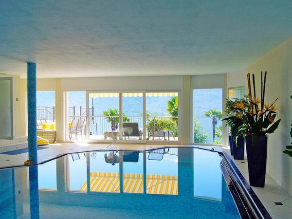 mediterrane villa mit indoorpool und traumblick locarno und umgebung. Black Bedroom Furniture Sets. Home Design Ideas