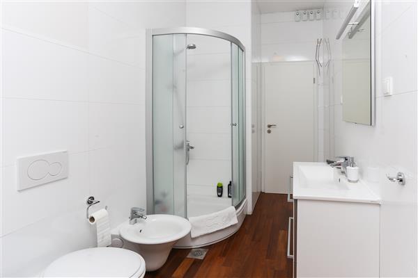Ferienwohnung Apartments Van Gogh - Two Bedroom Apartment with Terrace (1750246), Dubrovnik, , Dalmatien, Kroatien, Bild 4