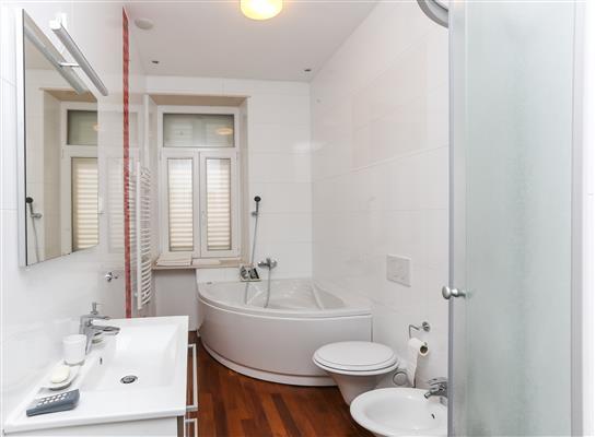 Ferienwohnung Apartments Van Gogh - Two Bedroom Apartment with Terrace (1750246), Dubrovnik, , Dalmatien, Kroatien, Bild 9