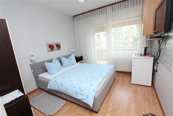 Ferienwohnung STEFAN Double Room with Balcony 3 (1750562), Rovinj, , Istrien, Kroatien, Bild 12