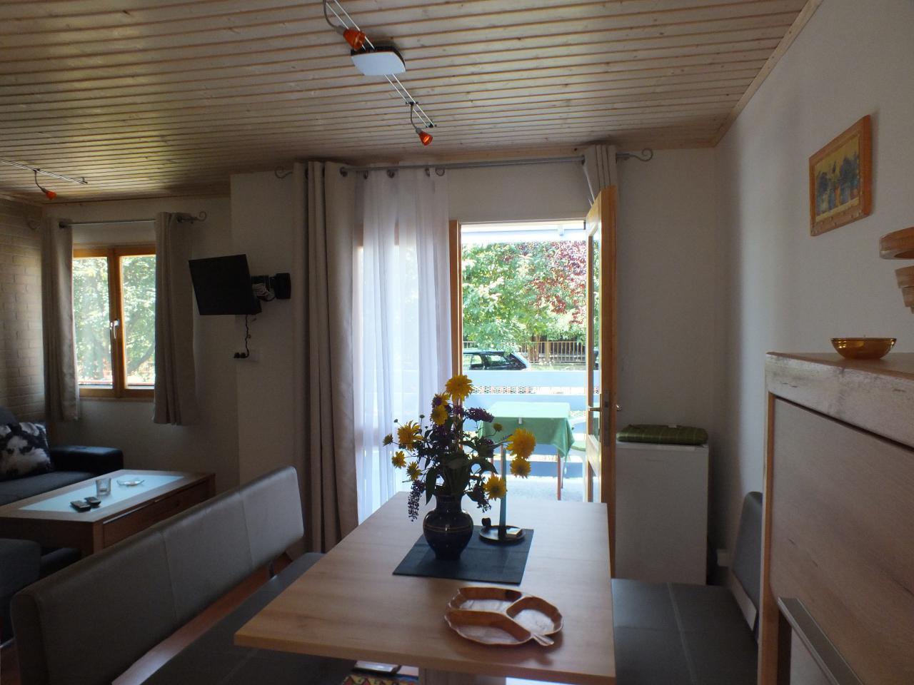 Ferienhaus mit eingezäuntem Gartengrundstück in direkter Nähe zum Thermalbad ideal für erholsamen Urlaub und Tagesausflüge