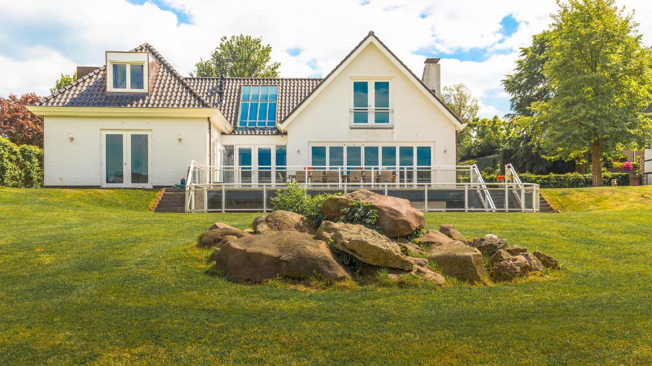 Luxus Gruppen Villa mit Designer-Bädern, Spa- Ferienhaus in den Niederlande