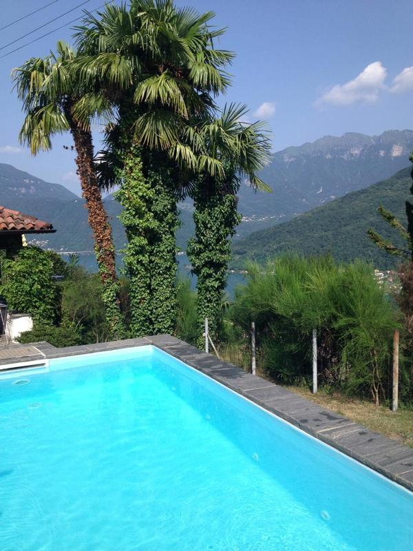 Casa ranica morcote mit pool for Pool 4 eckig