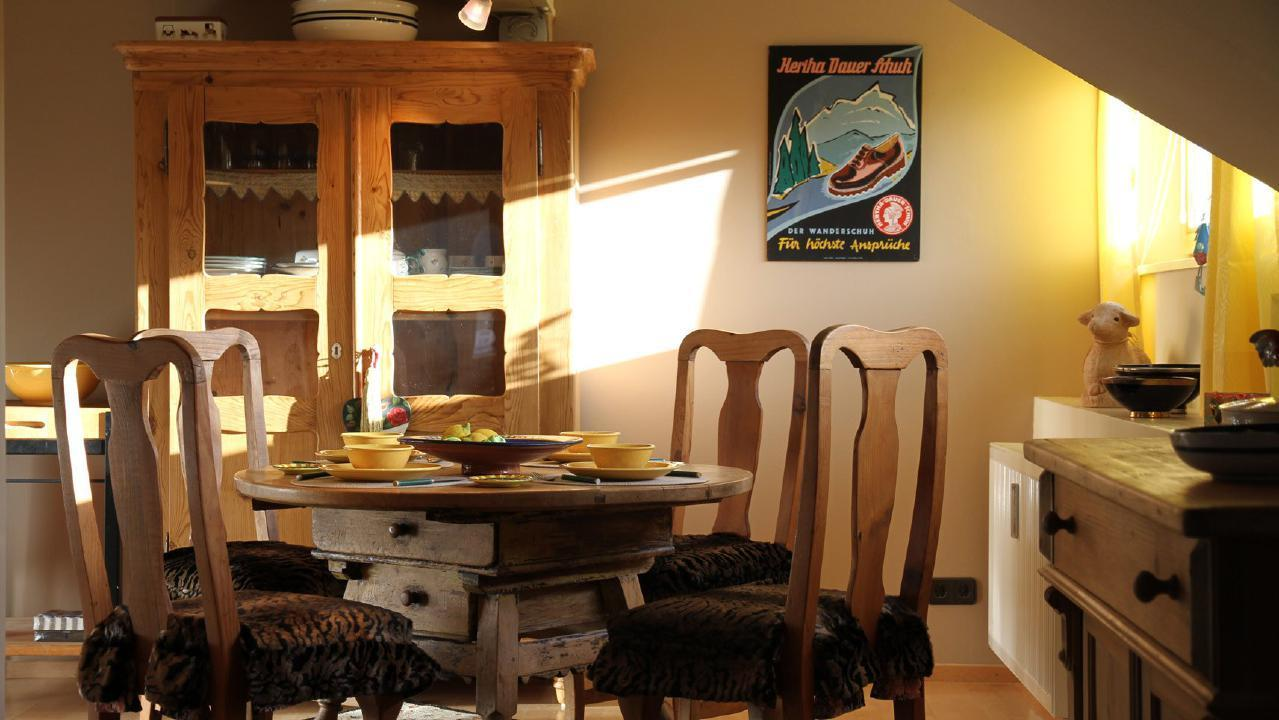 Appartement de vacances Traumhafte Maisonette-Ferienwohnung im alpinen Stil mit antiken Möbeln und modernen Access (1856638), Riezlern (AT), Kleinwalsertal, Vorarlberg, Autriche, image 2