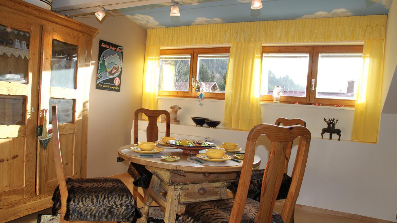 Appartement de vacances Traumhafte Maisonette-Ferienwohnung im alpinen Stil mit antiken Möbeln und modernen Access (1856638), Riezlern (AT), Kleinwalsertal, Vorarlberg, Autriche, image 1