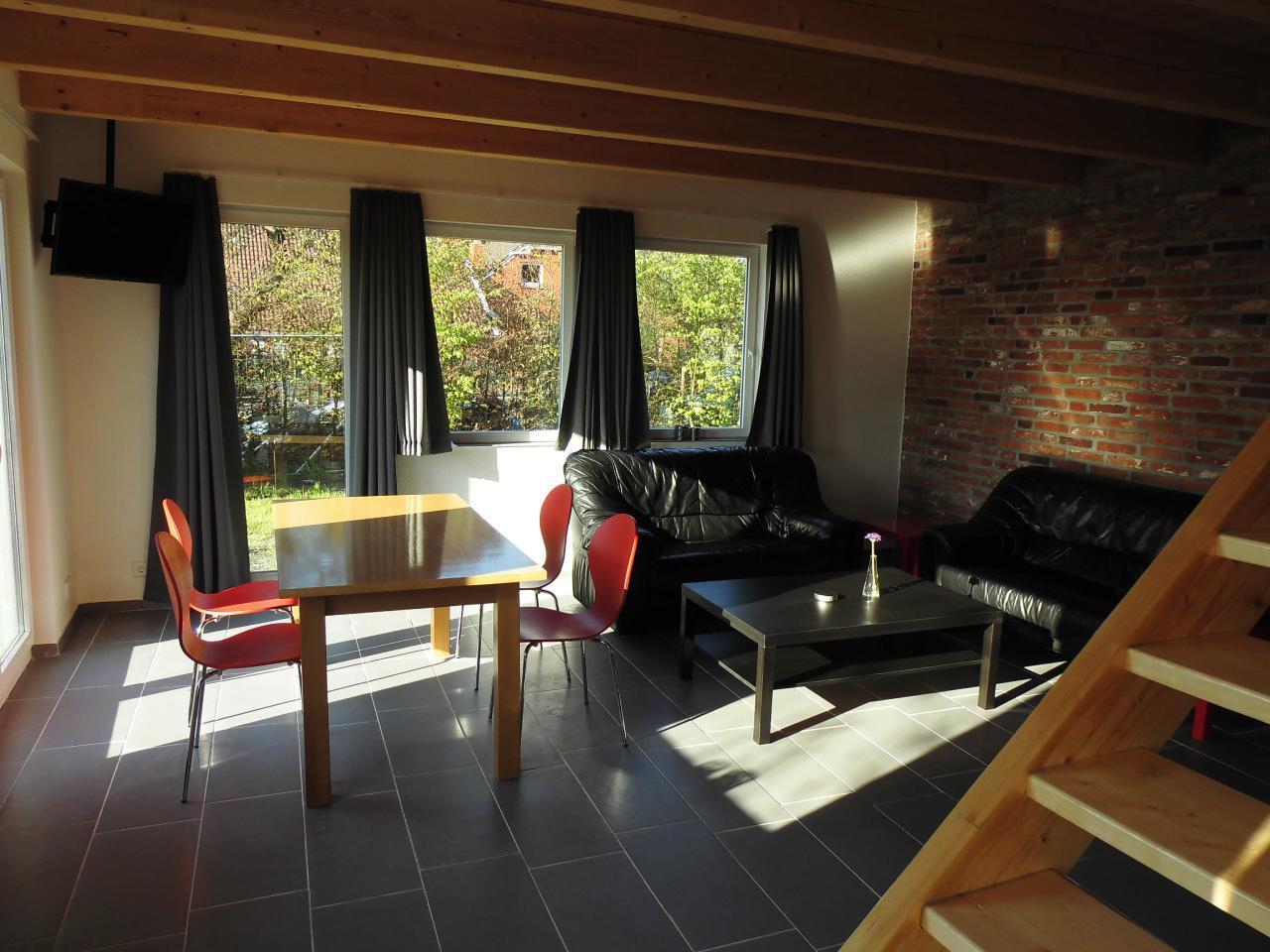Wohn- und Esszimmer mit 40 Zoll TV