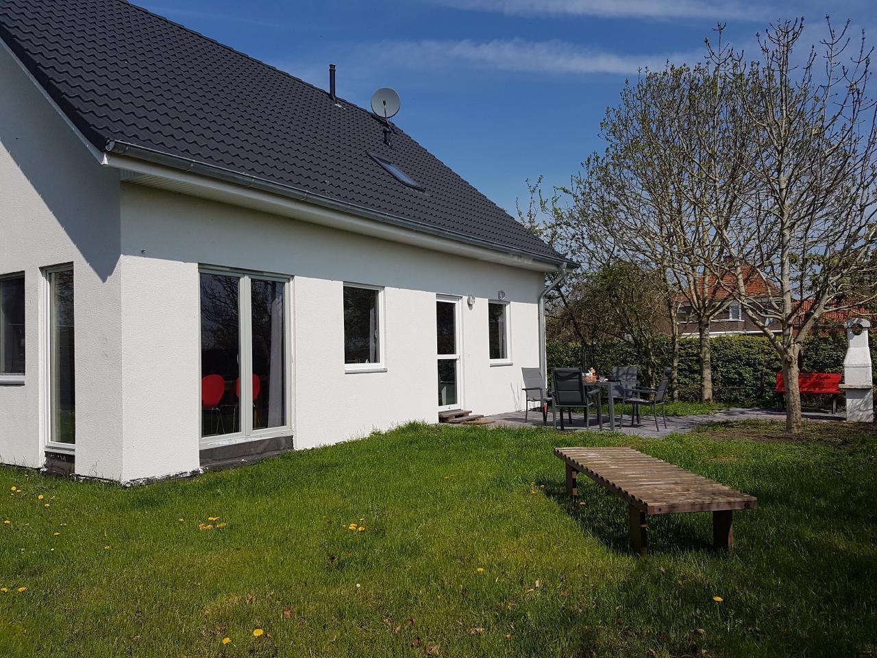 Ferienhaus Deichblick 2 Gartenseite