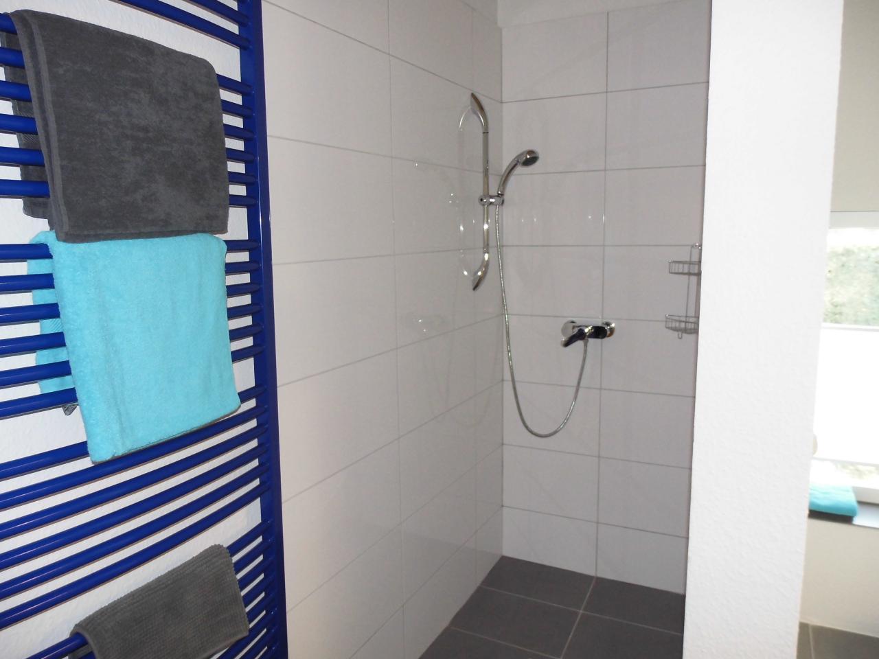 Bad eins von dreien im Erdgeschoß