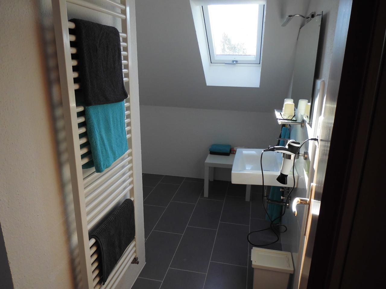 drittes Bad mit Dusche in der ersten Etage