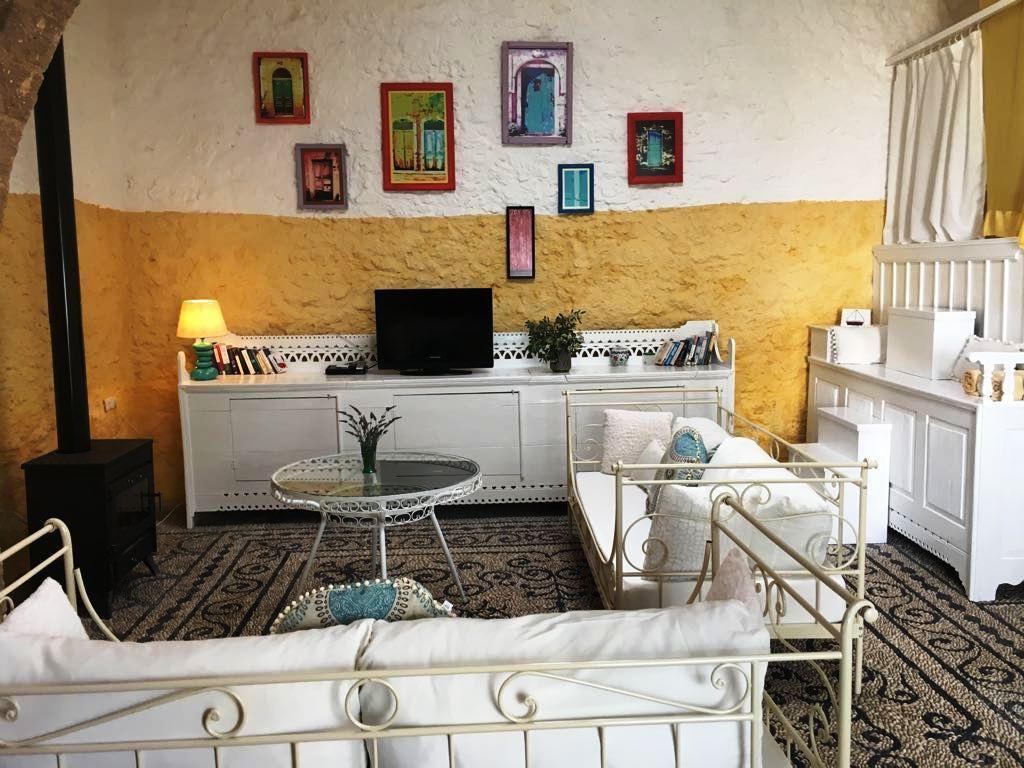 Holiday house Lemonia house, Traditionelles Steinhaus mit fröhlichen Farben und toller Atmosphäre in ypi (1865384), Rodos, Rhodes, Dodecanes Islands, Greece, picture 23