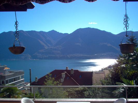 Holiday apartment ... die Ruhe über der Stadt geniessen ... Il Réduit alle Rascane Orselina, Terrazza (192973), Orselina, Lake Maggiore (CH), Ticino, Switzerland, picture 1