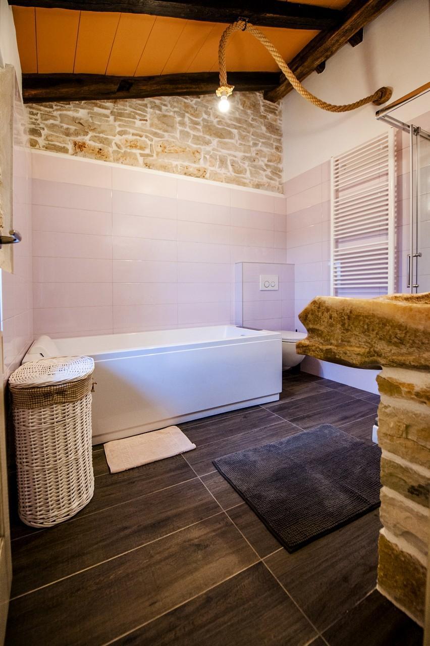 Maison de vacances Luxuriöse Villa Tomani mit Pool und Grill, geeignet für 10 Personen - Rabat 10/09 - 16/12/ (1932348), Krmed, , Istrie, Croatie, image 19