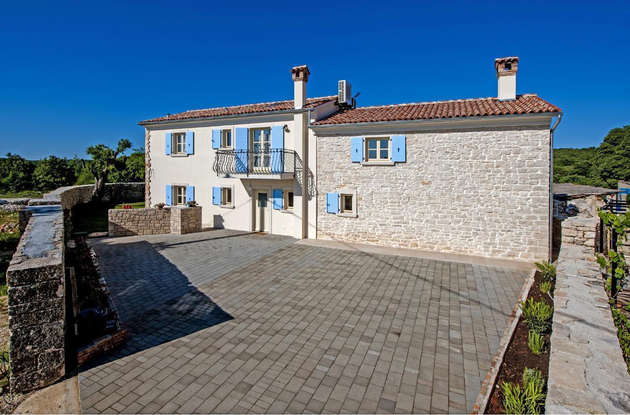 Maison de vacances Luxuriöse Villa Tomani mit Pool und Grill, geeignet für 10 Personen - Rabat 10/09 - 16/12/ (1932348), Krmed, , Istrie, Croatie, image 4