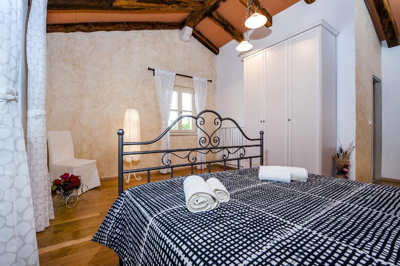 Maison de vacances Luxuriöse Villa Tomani mit Pool und Grill, geeignet für 10 Personen - Rabat 10/09 - 16/12/ (1932348), Krmed, , Istrie, Croatie, image 21