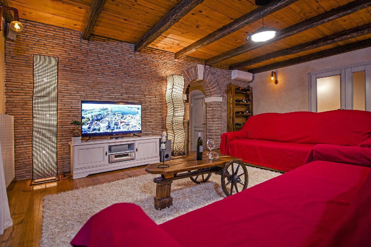 Maison de vacances Luxuriöse Villa Tomani mit Pool und Grill, geeignet für 10 Personen - Rabat 10/09 - 16/12/ (1932348), Krmed, , Istrie, Croatie, image 13