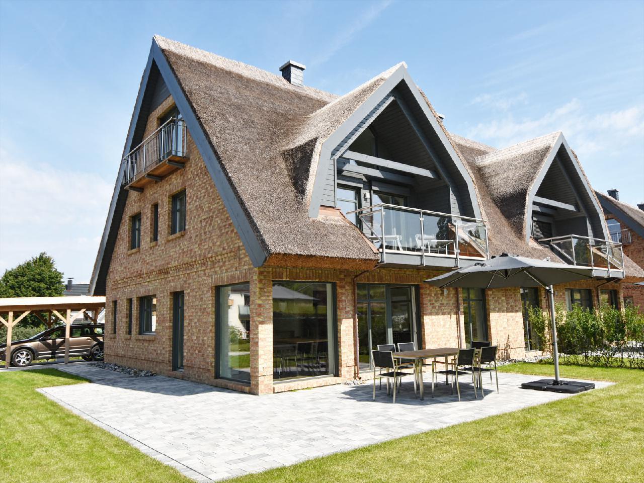 exklusive Reetdach-Villa Ostseefrische nur 7 Minut Villa auf Rügen
