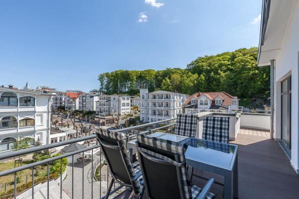ferienwohnung sellin mit terrasse oder balkon f r bis zu 4 personen mieten. Black Bedroom Furniture Sets. Home Design Ideas