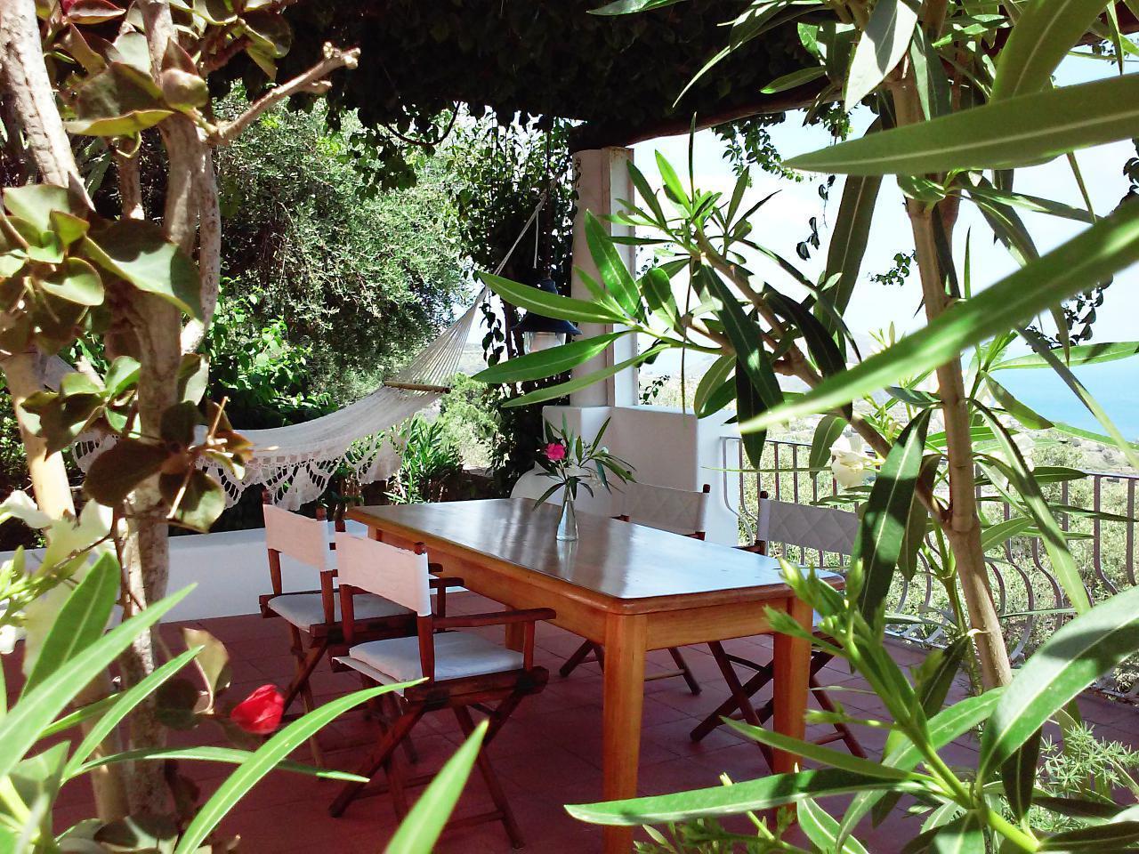 Maison de vacances Ferienhaushälfte Solandra auf sizilianischer Insel mit atemberaubenden Meeres-Rundblick (2038046), Lipari, Lipari, Sicile, Italie, image 6