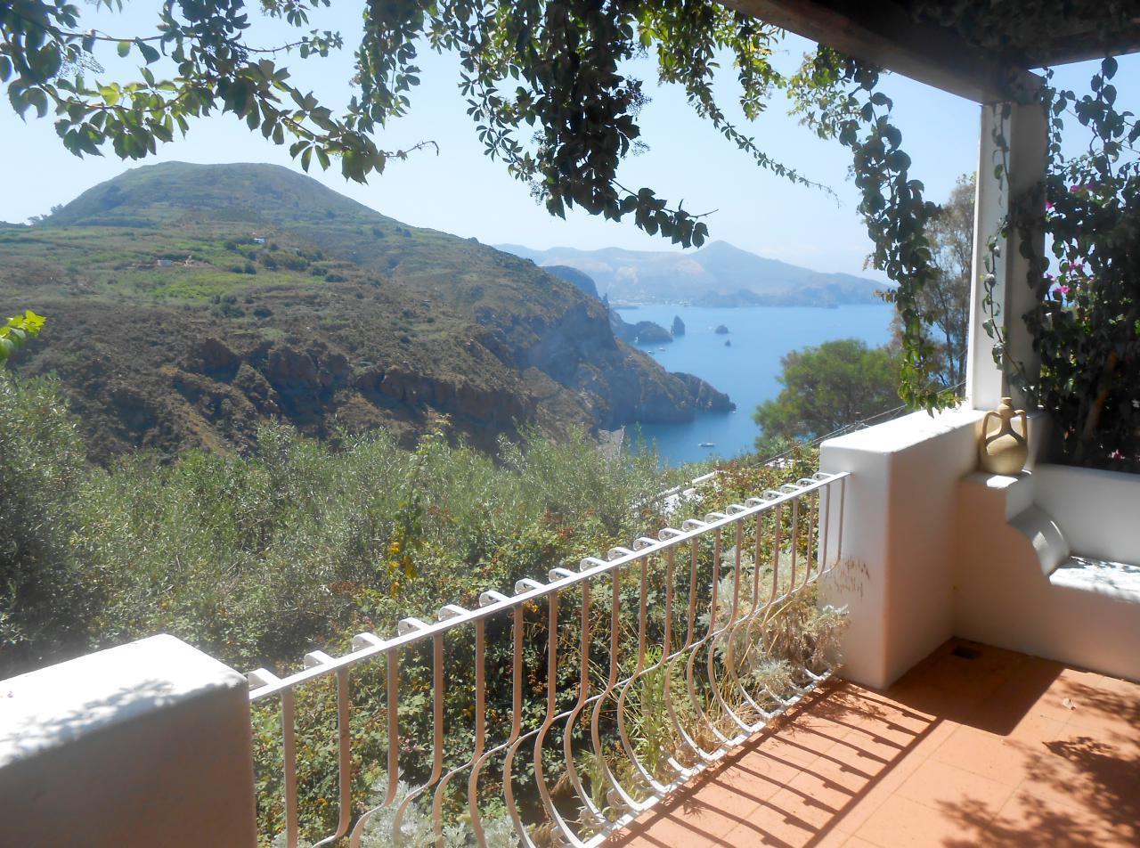 Maison de vacances Ferienhaushälfte Solandra auf sizilianischer Insel mit atemberaubenden Meeres-Rundblick (2038046), Lipari, Lipari, Sicile, Italie, image 2