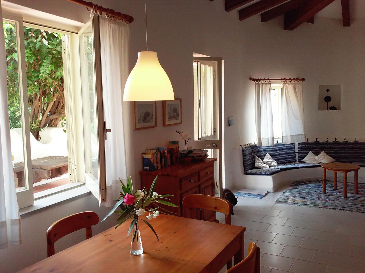 Maison de vacances Ferienhaushälfte Solandra auf sizilianischer Insel mit atemberaubenden Meeres-Rundblick (2038046), Lipari, Lipari, Sicile, Italie, image 13