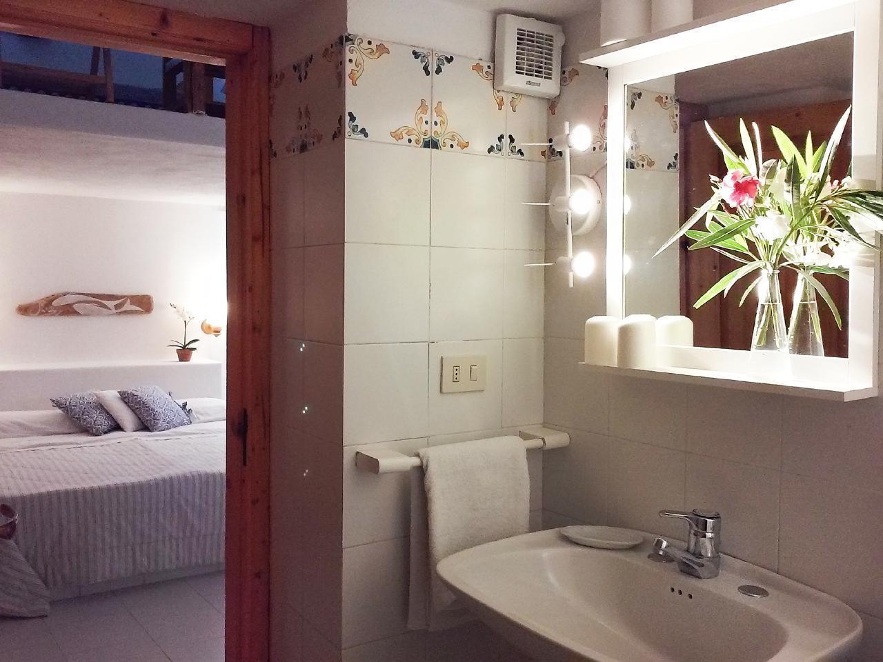 Maison de vacances Ferienhaushälfte Solandra auf sizilianischer Insel mit atemberaubenden Meeres-Rundblick (2038046), Lipari, Lipari, Sicile, Italie, image 25