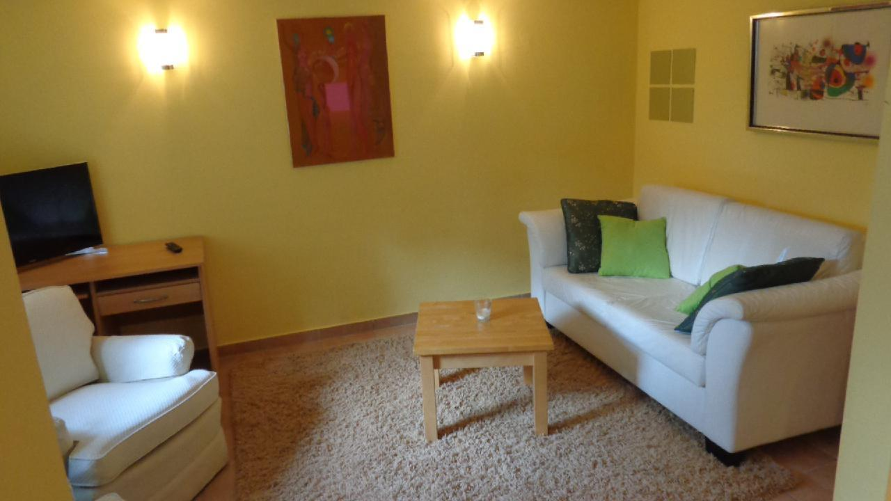 Ferienwohnung Sonnige Souterrain-Wohnung mit Garten in Villenviertel (2044711), Hamburg, Harburg, Hamburg, Deutschland, Bild 2