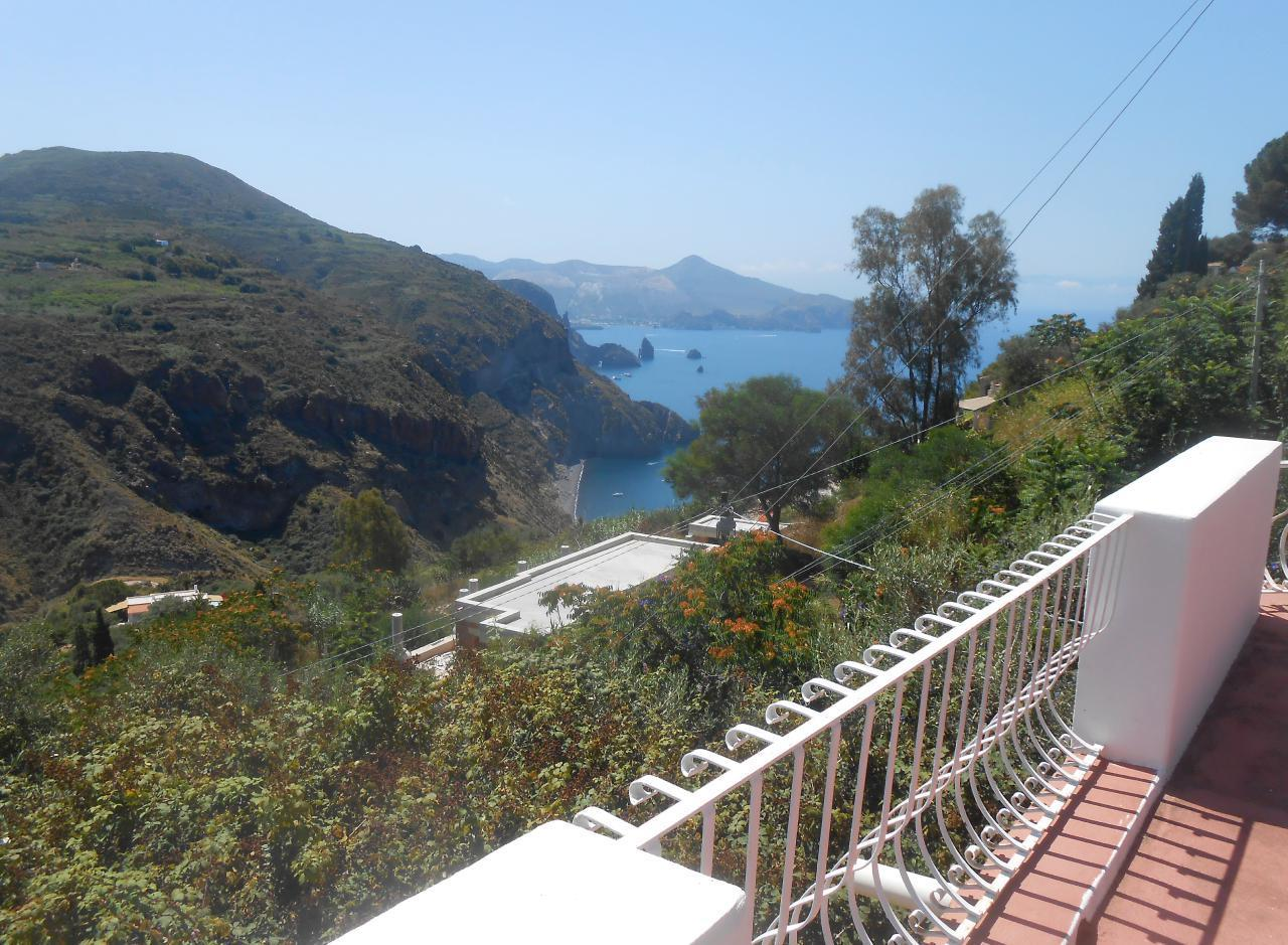 Maison de vacances Ferienhaushälfte Oleandro auf sizilianischer Insel mit atemberaubenden Meeres-Rundblick (2045159), Lipari, Lipari, Sicile, Italie, image 2