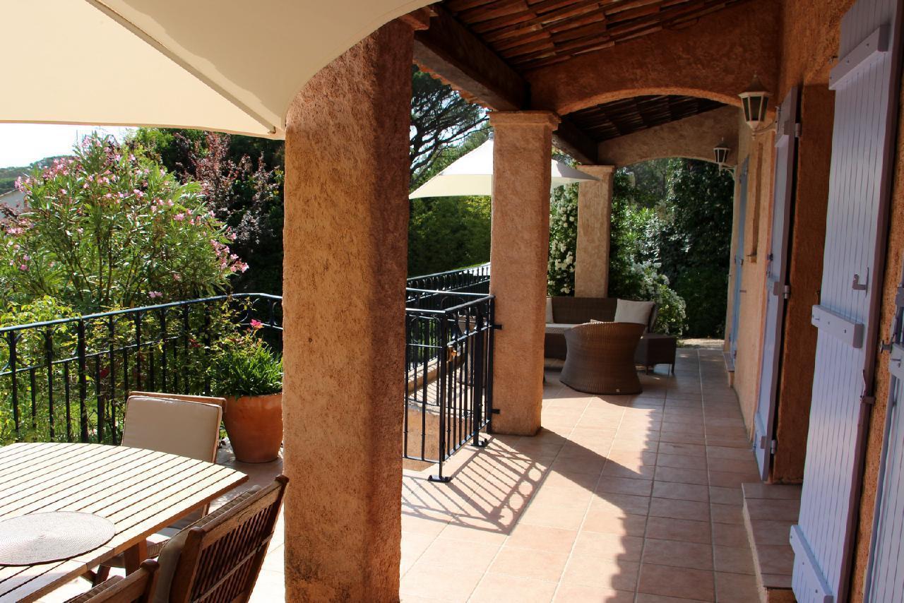 Ferienhaus Charmante Villa mit Pool und drei Schlafzimmern auf Golfplatz in Strandnähe (2060653), Saint Raphaël, Côte d'Azur, Provence - Alpen - Côte d'Azur, Frankreich, Bild 26