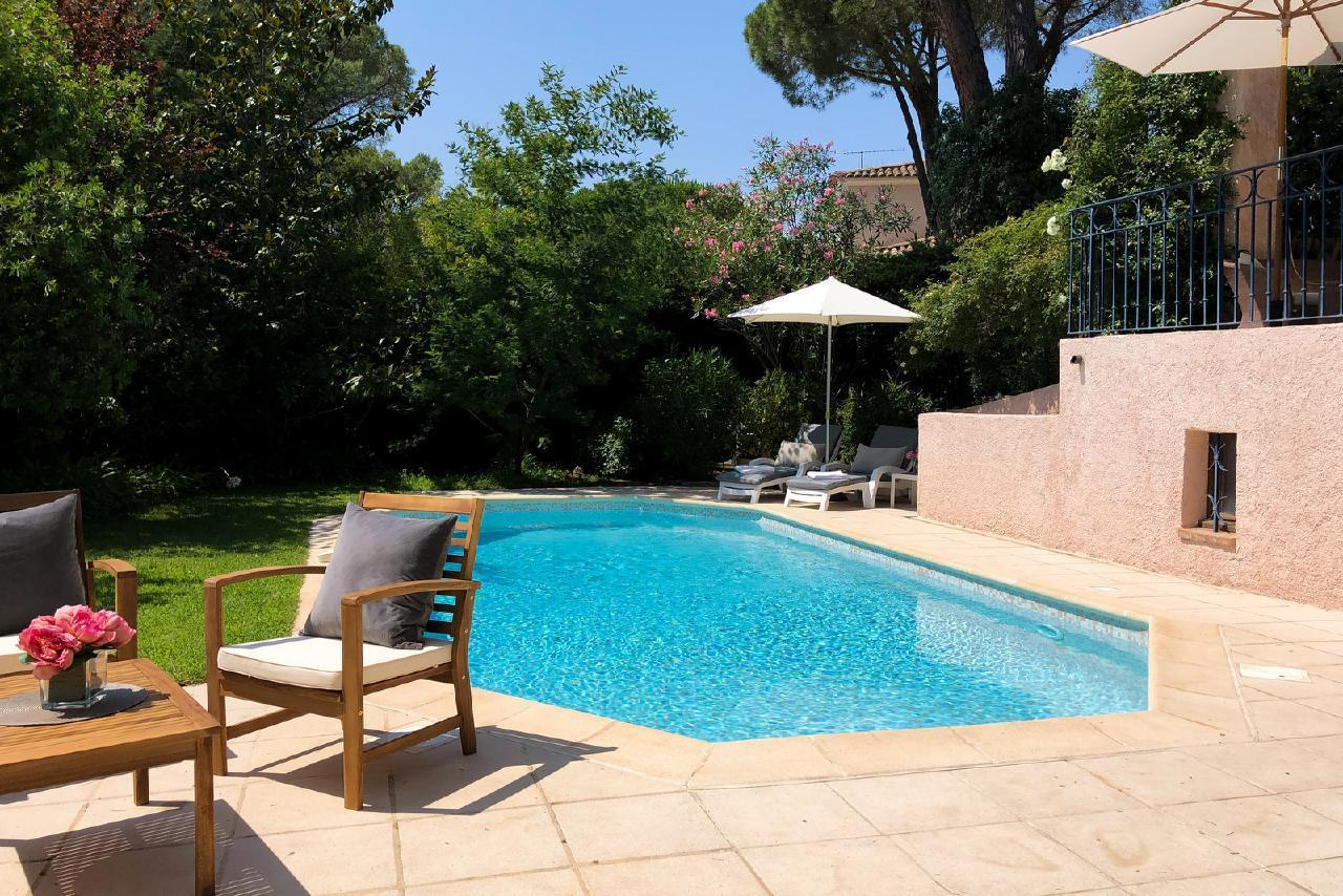 Ferienhaus Charmante Villa mit Pool und drei Schlafzimmern auf Golfplatz in Strandnähe (2060653), Saint Raphaël, Côte d'Azur, Provence - Alpen - Côte d'Azur, Frankreich, Bild 6