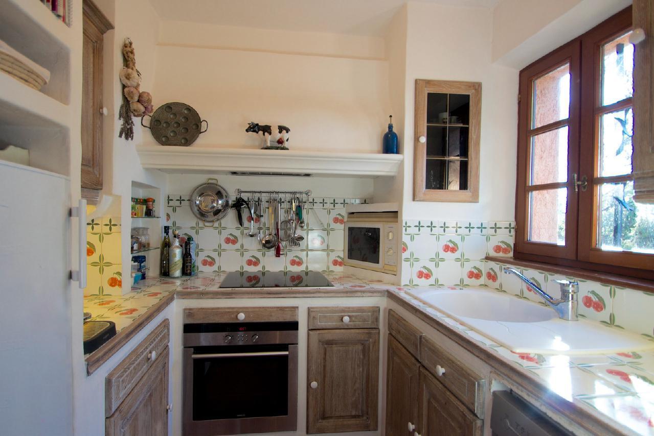 Ferienhaus Charmante Villa mit Pool und drei Schlafzimmern auf Golfplatz in Strandnähe (2060653), Saint Raphaël, Côte d'Azur, Provence - Alpen - Côte d'Azur, Frankreich, Bild 25