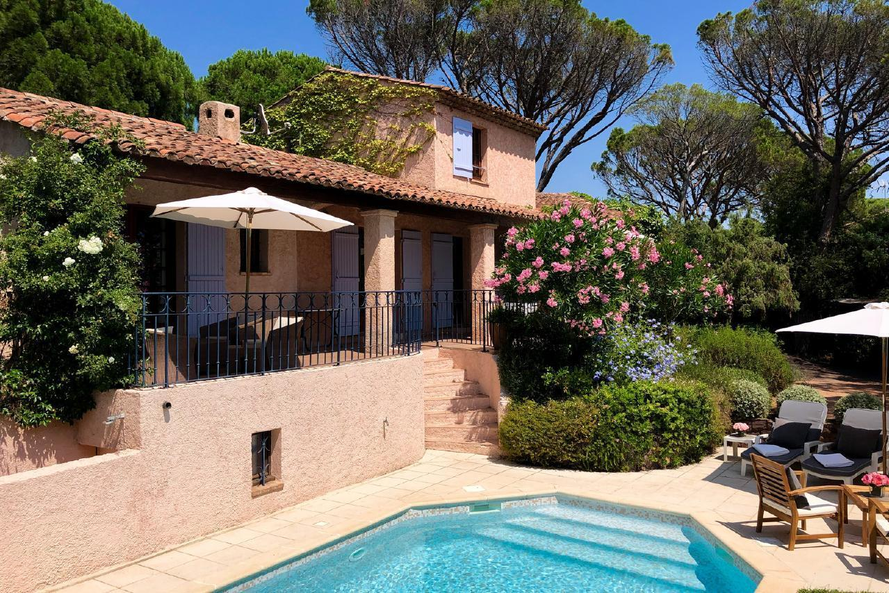 Ferienhaus Charmante Villa mit Pool und drei Schlafzimmern auf Golfplatz in Strandnähe (2060653), Saint Raphaël, Côte d'Azur, Provence - Alpen - Côte d'Azur, Frankreich, Bild 10