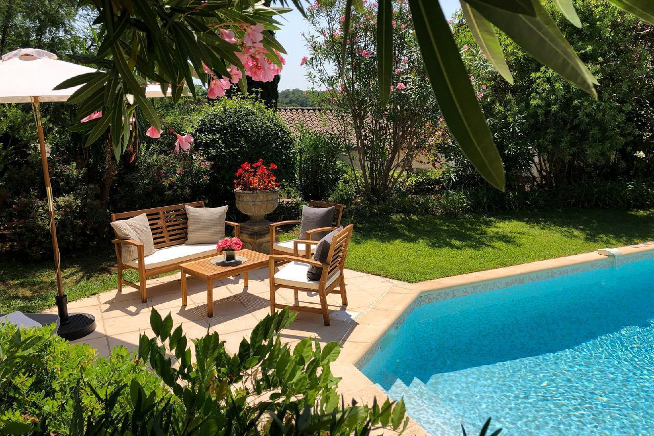 Ferienhaus Charmante Villa mit Pool und drei Schlafzimmern auf Golfplatz in Strandnähe (2060653), Saint Raphaël, Côte d'Azur, Provence - Alpen - Côte d'Azur, Frankreich, Bild 5